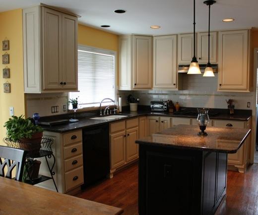 Kitchen Island Kickboard: Kitchens 5